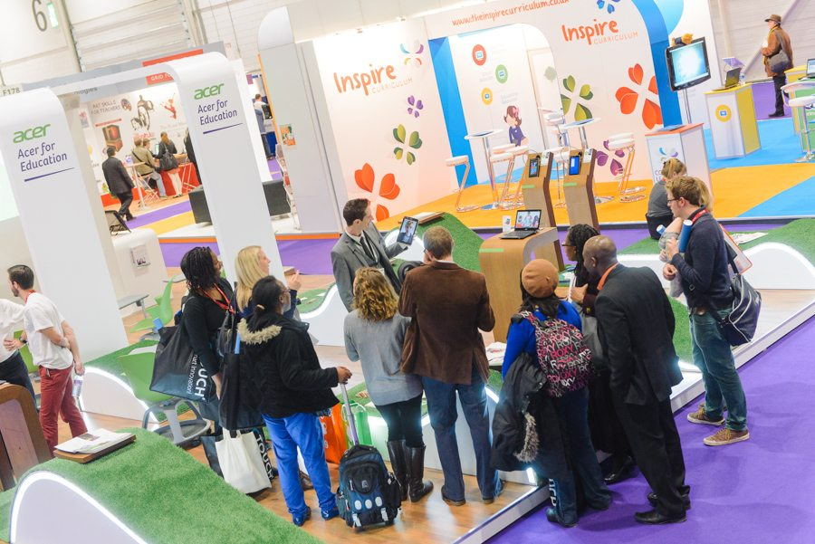 Why Book an iPad Magician for your trade show or exhibition?
